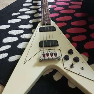 Epiphone Korina Flying V Bass