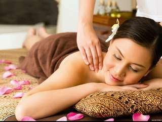 Traditional Thai Aromatherapy Oil Massage