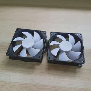 2 x Fractal Silent Series R2 92mm Fan