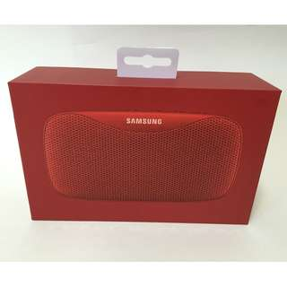 100% new新 – Samsung Level Box Slim (EO-SG930) Waterproof Speaker三星防水攜帶式藍牙音樂揚聲器 /喇叭/充電器