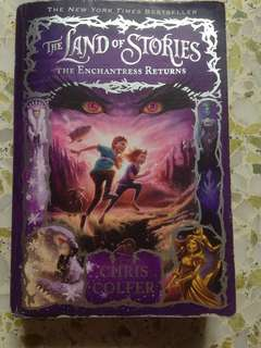 The land of stories book 2