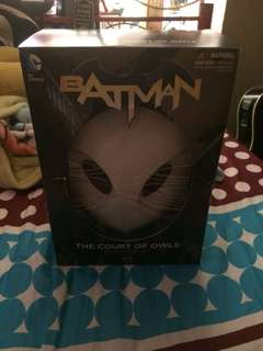 Batman Court of Owls Book and Mask Set