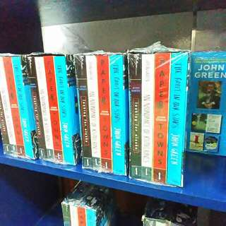 John Green box set The Fault in Our Stars Looking for Alaska An Abundance of Katherines Paper Towns