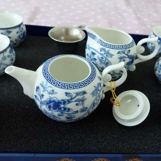 Blue & White Porcelain Teapot Set 景德鎮青花瓷茶具套裝