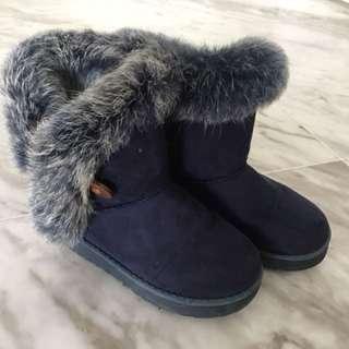 Kids Winter Boots - EU 30 - (UGG type)