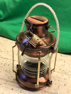 (減價)油燈型錢甖 piggy bank