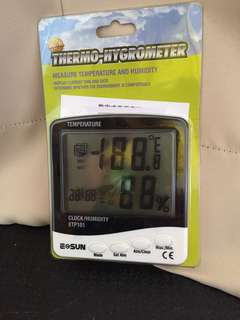 Home use thermometer hygrometer