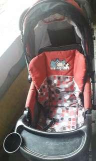 Kereta dorong bayi