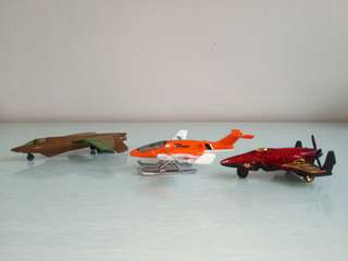 Aeroplane model made with metal perfect condition 3pcs $12