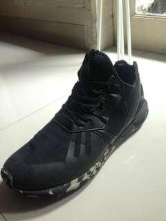 Adidas tubular runner size 44