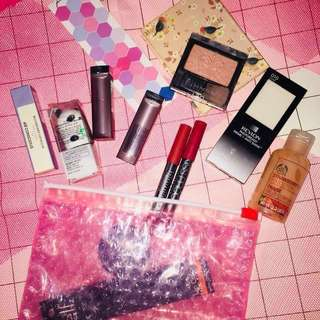 Makeup bundle (14 pieces)