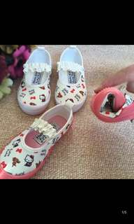 PO while stock last !! Hello kitty/melody Canvas Shoe Brand New Size 13.5-18.5cm