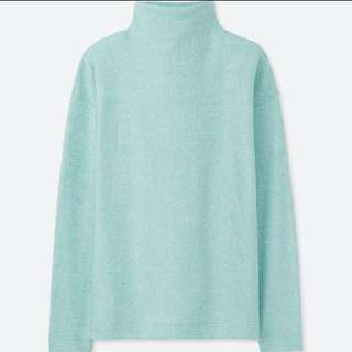 Uniqlo Soft Knitted Fleece Mock Neck Long Sleeve Top in