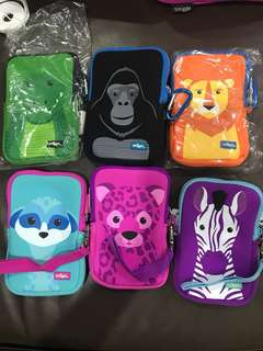 Smiggle media pouch safari