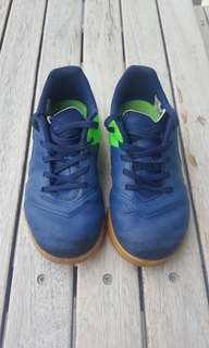 Boy's size Nike Tiempo X US12C/EUR29.5