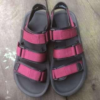 Hooligans triple strap sandal