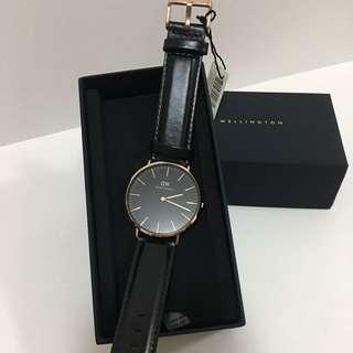 DW黑色皮錶36mm
