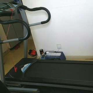 Fit boxx 健身跑步機,可接,送潤潤滑劑1支。