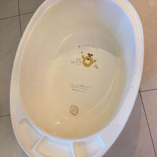 8成新 bb 浴盆