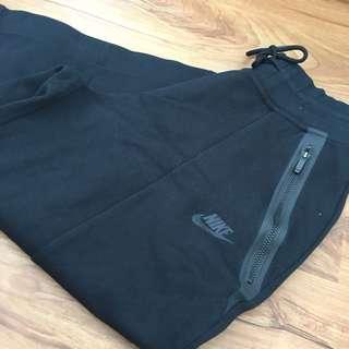 Nike tech fleece three quarter pants