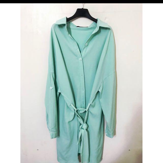 原價1680 大推薦 超美的 長版襯衫洋裝喔 請看圖二 背面設計感也非常好看喔!