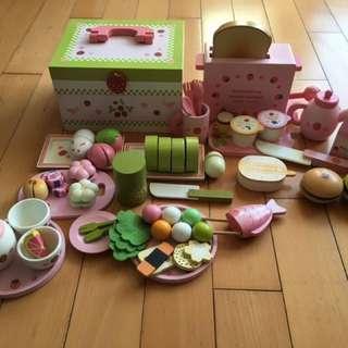 Wooden dessert and breakfast sets