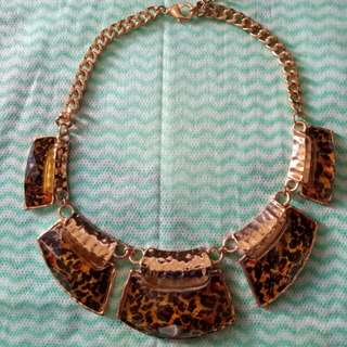 Kalung leopard aldo