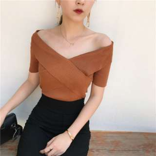 [PRE-ORDER] Women Retro Korean V-neck Cross-cropped Slim Top [Khaki/White/Black]