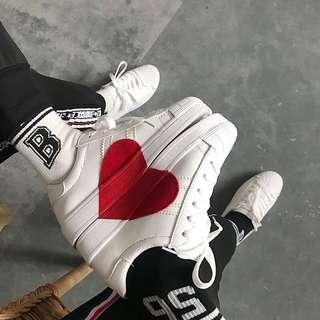 Heart Printed white platform shoes