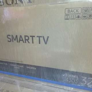 Samsung 32inc 4303 Smart tv Bnew !!