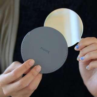 Meierq銀灰色皮革圓鏡
