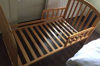 Baby Cot /Toddler Bed (Convertible)