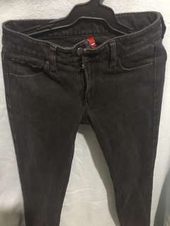 Uniqlo skinny jeans black