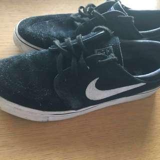 Nike Sb shoes Sz 7 US