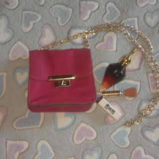 Pink Shoulder Bag with Gold Chain