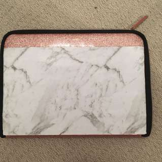 Laptob Glitter/Marble Case Typo