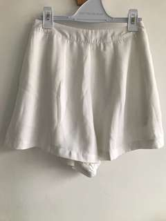 TTR petal flare shorts in white