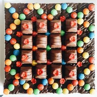 (36 pcs) Halal Party Fudgy Brownies