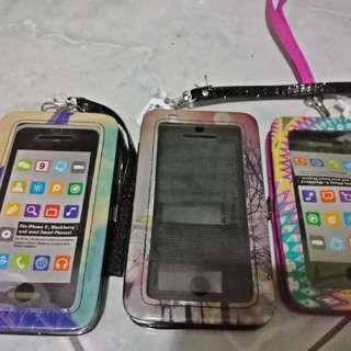 Smartphone wristlet