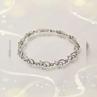 18K 鍍白金屬鑲嵌 奧地利水晶手鍊一條 QB-1 售價HKD338