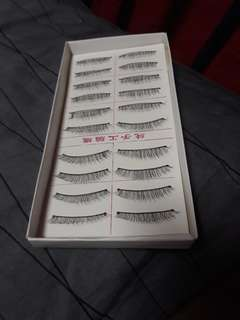 False Eyelashes ( 1 set)