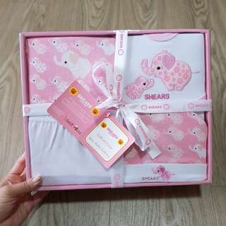 Shears brand new in box 4 pc baby girl pink Baby Gift Set 0-6 months