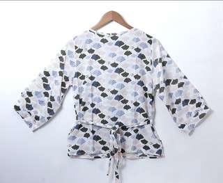 Scalop blouse