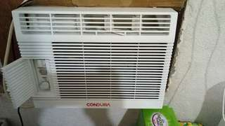 Condura window type AC 0.5HP