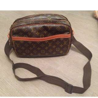 Louis Vuitton Monogram Camera Bag - Second HandEDIT