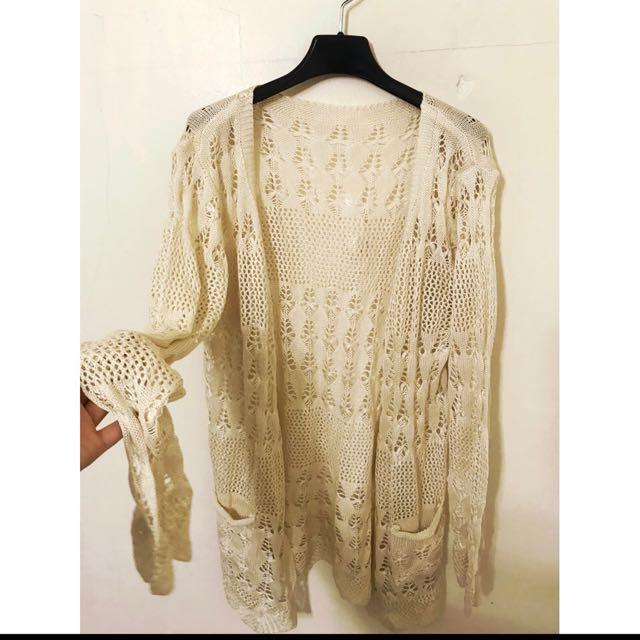原價1880 質感超級好 勾花針織外套 超美的喔 穿上去完全女神級喔!!
