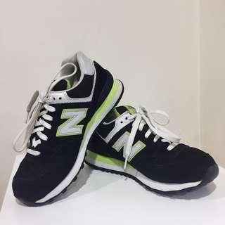 New Balance 574 Women black/lime green sneakers