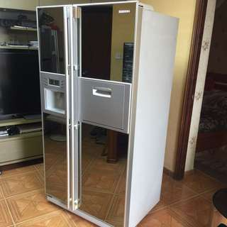 Samsung Side By Side Doors American Style Refrigerator (Excellent Condition)