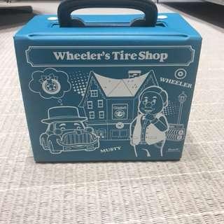 Robocar Poli Wheeler's Tire Shop