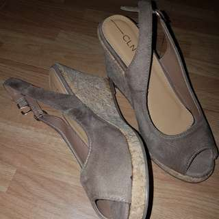 CLN Brown Wedge Size 6